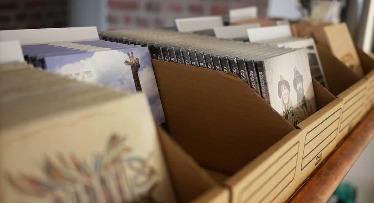 Unsere Merchbox: Physischer Vertrieb für CD, Vinyl & Merchandising